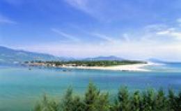 Lăng Cô – vịnh biển đẹp nhất thế giới .