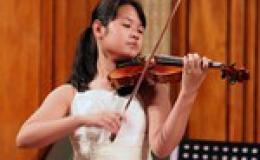 Tài năng trẻ Đỗ Phương Nhi biểu diễn xuyên Việt