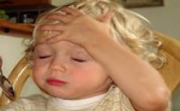 Trẻ nhức đầu có thể do u não.