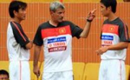 HLV Calisto đồng ý về Sài Gòn FC với lương kỷ lục