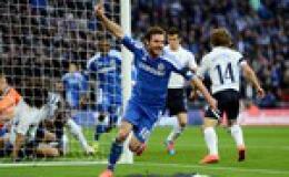Chelsea tưng bừng vào chung kết