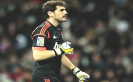 Iker Casillas đuợc vinh danh là thủ môn xuất sắc nhất năm 2012