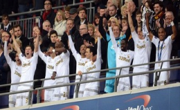 Giành Cúp Liên đoàn, Swansea có chức vô địch đầu tiên