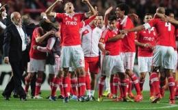 Chelsea và Benfica giành quyền vào chung kết Europa League