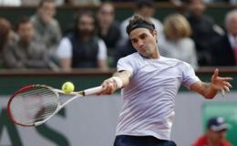 """Pháp mở rộng 2013: Thêm kỷ lục cho """"Tàu tốc hành"""" Federer"""