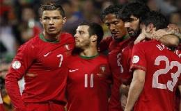 Ronaldo góp sức giúp Bồ Đào Nha thắng trận sinh tử