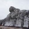 Trên công trình Tượng đài Mẹ Việt Nam Anh hùng