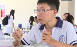 """Nâng bước đến trường """"Hoàn cảnh em Vưu Quang Khải"""""""