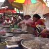 """Miền Tây muôn nẻo chợ """"Về chợ cầu kè ăn dừa sáp"""""""