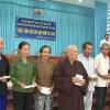 Tặng quà cho nạn nhân bị nhiễm chất độc da cam/dioxin tại huyện Tân Phước