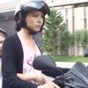 Chú ý khi chở trẻ em trên xe máy.