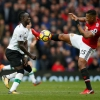 """M.U – Liverpool 2-1: Klopp chê trọng tài, Mourinho """"đá xéo"""" bình luận viên"""