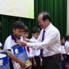 Trẻ khuyết tật, mồ côi tỉnh Tiền Giang được trao học bổng