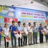 Công ty Hoan Vinh tặng quà cho công nhân viên
