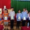 Mobifone tặng tập cho học sinh khó khăn tại Kim Sơn