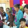 Hội Bảo trợ bệnh nhân nghèo, người khuyết tật và trẻ mồ côi tỉnh Tiền Giang tặng quà