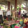Ông Lê Văn Hưởng kiểm tra an toàn vệ sinh thực phẩm Chợ Tân Trung, Thị xã Gò Công