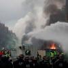 Pháp: Biểu tình bạo động ở Paris, hơn 300 người bị bắt