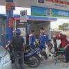 """Xăng dầu giảm giá """"sốc"""" đêm giao thừa"""