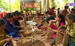 """Phóng sự """"Quỹ Mom đồng hành cùng phụ nữ nghèo cải thiện cuộc sống"""""""