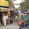 Nguy cơ mất ATGT và ô nhiễm môi trường từ chợ tự phát