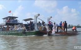 Ban Trị sự Giáo hội Phật giáo Tiền Giang thả cá tái tạo nguồn thủy sản