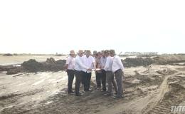 Chủ tịch UBND tỉnh Tiền Giang kiểm tra tiến độ thi công công trình tại các huyện phía Đông