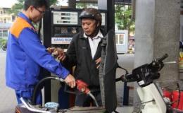 Giá xăng tiếp tục giảm nhẹ lần thứ 2 liên tiếp