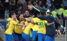 Hơn người nhưng Brazil phải nhờ loạt 11 m mới vượt qua Paraguay