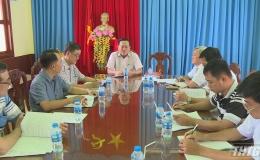 Ông Lê Văn Nghĩa kiểm tra phòng dịch tả heo Châu Phi huyện Gò Công Đông
