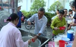 Bát cháo nghĩa tình tại bệnh viện Tân Hiệp – huyện Châu Thành