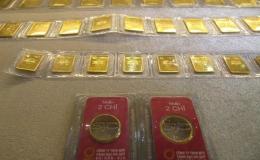 Giá vàng SJC lao dốc, người mua vàng cầm chắc lỗ