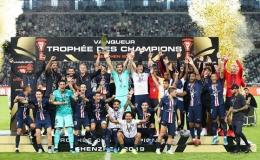 Ăn mừng Siêu Cúp nước Pháp lần thứ 9 cùng PSG