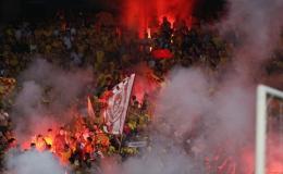 Sân Hàng Đẫy 'đi đầu' về các án phạt đốt pháo sáng tại V-League 2019