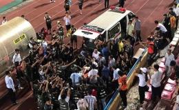 """""""Treo"""" sân Hàng Đẫy hết giải, phạt CLB Hà Nội, Nam Định mỗi đội 85 triệu đồng"""