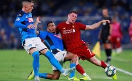 """Hàng thủ """"tạo phản"""", Liverpool đại bại tại Napoli"""