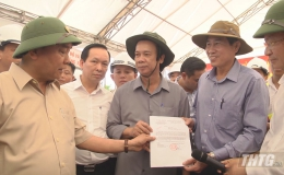 Thủ tướng trao quyết định phân bổ 2.186 tỷ đồng cho dự án cao tốc Trung Lương – Mỹ Thuận