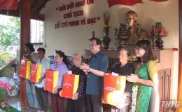 Ông Lê Hồng Quang dự Ngày hội Đại đoàn kết toàn dân tộc tại huyện Chợ Gạo