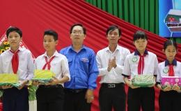 """Chuyên đề 01-11 """"Châu Thành tổ chức chương trình thấp sáng ước mơ lần thứ 11…"""""""
