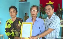 Bàn giao nhà tình nghĩa cho gia đình chính sách huyện Tân Phú Đông