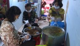 """Chuyên đề 13-12 """"Bếp cơm chay từ thiện Ngọc Trang – Nơi kết nối những tấm lòng thiện nguyện"""""""