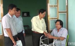 Thăm và tặng quà người khuyết tật huyện Gò Công Đông