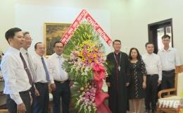 Lãnh đạo Tỉnh ủy thăm và chúc Tết Giám mục giáo phận Mỹ Tho