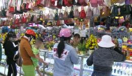"""Phóng sự """"Hàng Việt chiếm lĩnh thị trường Tết"""""""