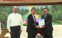 Giám mục Giáo phận Mỹ Tho chúc Tết lãnh đạo tỉnh Tiền Giang