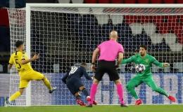 Mbappe ra sân sau nghi án Covid-19, PSG thắng tưng bừng Dortmund
