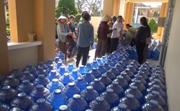 Chuyên đề 10.03 – Gò Công Tây cấp 500 bình nước ngọt cho người dân