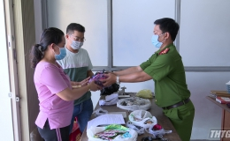 Công an huyện Cái Bè trao trả tài sản bị mất trộm cho người dân