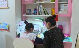 Phụ huynh đồng hành giúp con học trực tuyến
