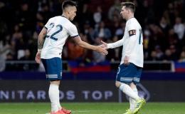 Messi kêu gọi Lautaro sang Barcelona